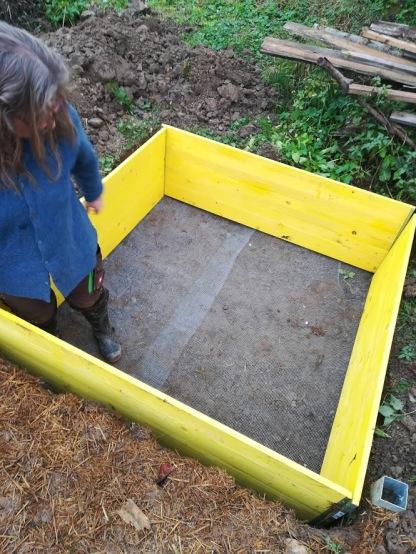 Wurmfarm Rahmen und Bodenbelag